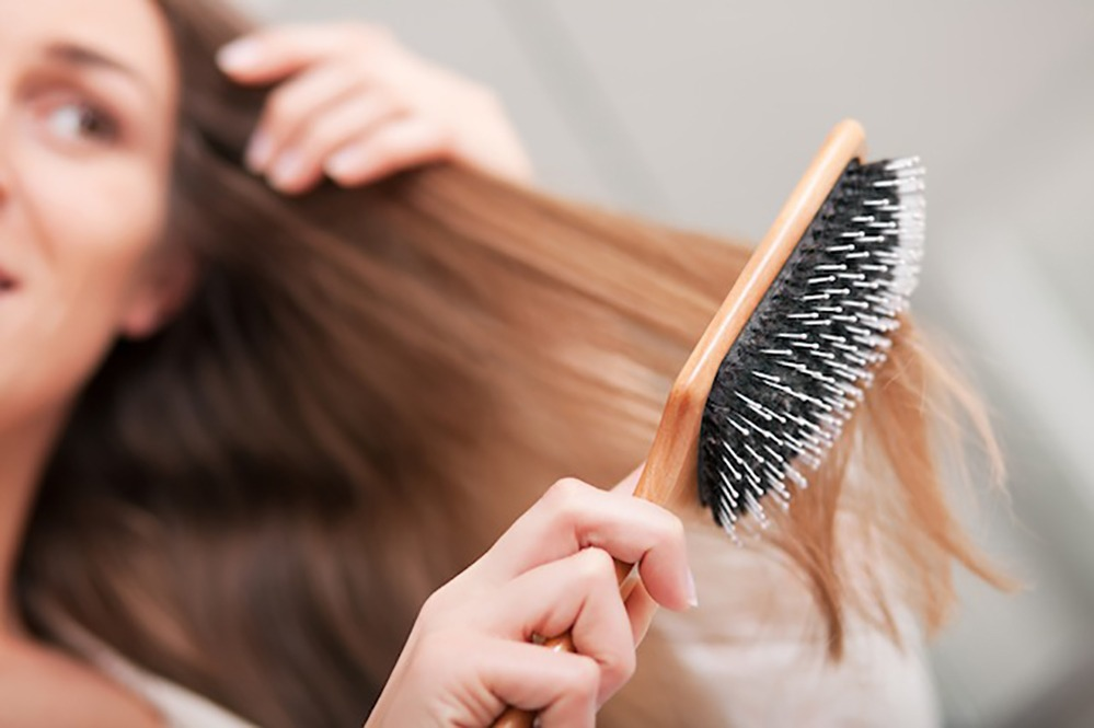 Como recuperar cabelo quebrado embaraçado